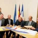 Deutsch-Französische Kooperation im Detmolder Rathaus besiegelt