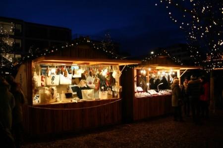 Stände auf dem Sylter Weihnachtsmarkt, Foto: Stephanie Schneider
