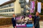 Von Links nach rechts: Burkhard Schwuchow, Bürgermeister Stadt Büren und Markus Fleitmann, Schulleiter der Dependance des LEBK in Büren, Foto: Stadt Büren