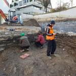 Archäologen stoßen auf mittelalterliche Mauern: