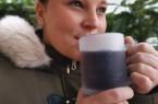 Junge Frau mit Glühweinglas , Foto: Gräflicher Park Health & Balance Resort