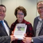 Lippische Landeskirche übergibt Unterschriften an Landrat