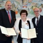 Kindern ein Zuhause geben: Bundesverdienstkreuz für Yvonne und Hubertus Lüttig aus Borchen