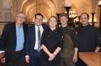 v.l.n.r.: Dieter Rademacher (Repräsentant des Weinguts Matthias Gaul), Christian Faas (F & B Manager des Gräflicher Park Health & Balance Resort), Veronika Kasdorf (Köchin), Thomas Blümel (Küchenchef) und Henrick Junkermann (Sous-Chef)