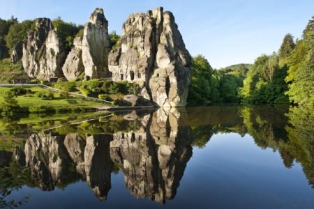 Die Externsteine laden zu einem unvergesslichem Naturerlebnis ein, Foto: Teutoburger Wald Tourismus