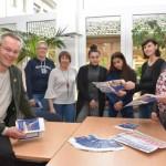 Kreis übergibt Flyer zur beruflichen Bildung an die weiterführenden Schulen