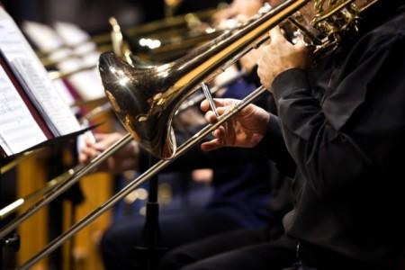 Gitarre, Blechblasinstrumente und Klavier – Noch freie Plätze bei der Kreismusikschule Foto: istock.com - Furtsef