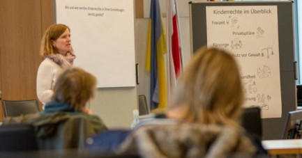 In Workshops erarbeiteten Leitungskräfte aus Kitas, Schulen und Jugendzentren erste Ideen, wie Kinder und Jugendliche Stationen gestalten können. Foto: Kreis Lippe