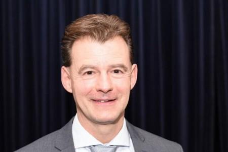 Schulleiter Wolfgang Wilden ist bereits seit über 25 Jahren am Felix-Fechenbach-Berufskolleg. Fotos: Kreis Lippe