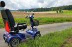 """Für Nutzer von E-Scootern und größerer Rollstühle bietet der Kreis Lippe einen Fahrservice zu """"Hermann leuchtet 7.0"""" an. Foto: Kreis Lippe"""