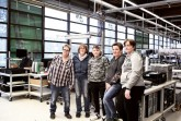 Fast die Hälfte der Beschäftigten der AfB sind Menschen mit Behinderung. So wie auch Jutta Dieckmann (l.), die sehr gut mit ihrem Job sowie ihren Arbeitskolleginnen und den Praktikanten klarkommt. Foto: LWL