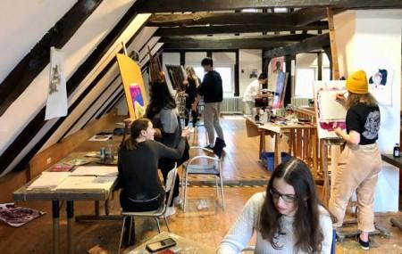 Schüler*innen im Künsterhaus