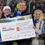 Arminia-Fans sammeln bei der Krombacher Zipfelmützenaktion 10.289,86 Euro