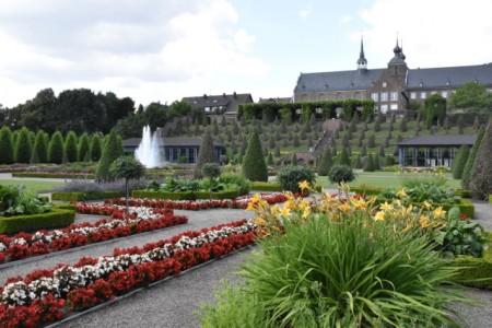 Abtei Kloster Kamp mit Terassengarten, Foto: © Imma Schmidt