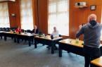 Dr. Marie Luise Kluger, Landrat Jürgen Müller und Krisenstabsleiter Norbert Burmann stehen der Presse Rede und Antwort. Foto. Kreis Herford