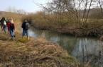 Nah am Wasser: Bei den Schauen wird der Zustand der Gewässer genau geprüft. (Foto: Kreis Lippe)