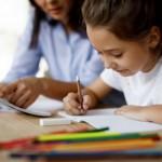 Ohne Schule lernen – wie Eltern ihre Kinder dabei begleiten können