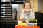 Öffnet ab Mittwoch zusammen mit ihrem Team wieder die Türen für Lübbecker Bücherwürmer: Luise König, Leiterin der Mediothek im Alten Rathaus..Foto:Stadt Lübbecke