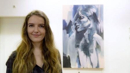 """Die Künstlerin Franziska Jäger malt am 30.4. live bei """"Kulturfaktor live""""."""