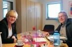 ALEXA-Azubicoach Heike Görder im Gespräch mit Manfred Kreisel, Schulleiter am Lüttfeld-Berufskolleg in Lemgo