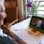 Johanneswerk ermöglicht Videotelefonie für Altenheim – Bewohner