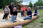 """Das Team um Gabriele Heber (Zweite v.r.) freut sich auf ein gemeinsames Einleben mit den Kindern in der Johanniter-Kita """"Arche Noah"""" an der Lindenstraße. Foto:"""