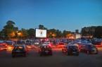 """""""Für rund 170 Wagen ist Platz beim Autokino auf dem Parkplatz an der Bielefelder Radrennbahn."""" Foto: Bielefeld Marketing/Sarah Jonek"""