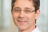 Dr. Josef Nelles nimmt am bundesweiten Aktionstag gegen den Schmerz teil und berät Patienten in einer kostenlosen Telefon-Hotline. (Foto: KHWE)