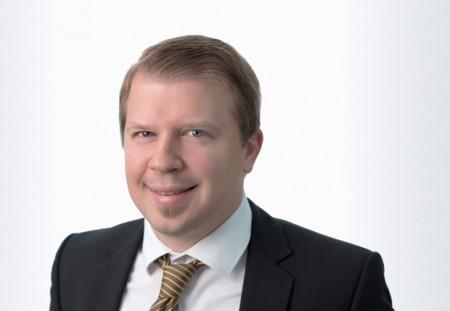 """Foto (Heinz Nixdorf Institut): Patrick Taplick ist Projektleiter des Ausgründungsvorhabens """"VRlinked""""."""
