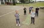 In der Corona-Pause für die Lübbecker Schulkinder kreativ: Das FSJ-Team der Stadt Lübbecke.