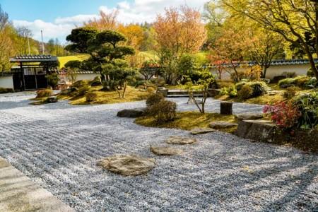 Mit dem Japanischen Garten gibt es in Ostwestfalen-Lippe ein einmaliges Kleinod zu entdecken – ideal für eine kleine Auszeit. (Foto: Bielefeld Marketing/ Franziska Beckmann)