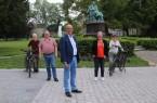 von links nach rechts: Michael Forst (Stadt Detmold), Peter London (Verkehrsministerium NRW), Rainer Heller (Bürgermeister Stadt Detmold), Christine Fuchs (Vorstand der AGFS) und Heike Scharping (Stadt Detmold) nach der erfolgreichen Hauptbereisung.  (Foto: Stadt Detmold)