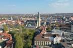 Der Paderborner Dom mit seinem 93 Meter hohen Turm dominiert das Bild der Paderborner Innenstadt.Foto: © Verkehrsverein Paderborn e. V.