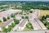 Die 20 Hektar der ehemaligen Dempsey Kaserne, hier im Blick vom Eingang an der Husarenstraße, sollen mit einem gesamtheitlichen Konzept entwickelt werden, das sowohl die städtebaulichen als auch die freiraumplanerischen Aspekte berücksichtigt. Foto: © Stadt Paderborn