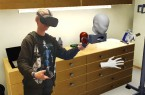 "Wie hier im virtuellen Behandlungszimmer sollen Auszubildende in Pflegeberufen in dem Projekt ""ViRDiPA"" neu erworbenes Wissen in praxisnahen Szenarien erproben.  Foto: Hochschule Emden-Leer"