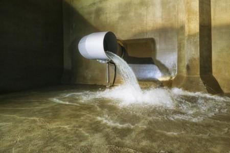Der Wasserverbrauch in Bielefeld bleibt weiter hoch, deswegen erarbeiten die Stadtwerke Bielefeld gerade eine neue Wasserstrategie für die Zukunft. Mit den vorhandenen Anlagen, wie dem Hauptpumpwerk, lässt sich der aktuelle Bedarf weiterhin gut decken. (Foto: Thorsten Ulonska)