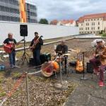 Band Manu Swamp aus Saint-Omer spielt für Detmolder Klinikum