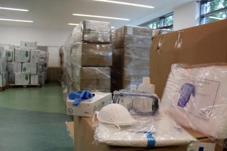 Die Mobilen Teams benötigen ausreichend Schutzkleidung, die durch die Unterstützung des Ministeriums für Arbeit, Gesundheit und Soziales des Landes Nordrhein-Westfalen bereitgestellt wurde.Fotos: Stadt Gütersloh