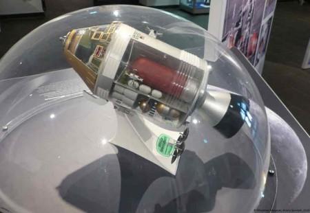 Modell des Kommando- und Servicemoduls der Mondrakete Saturn V