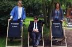 Natascha Vine, Steffen Böning und Jana Felmet vom Weberei-Team stimmen sich mit passenden Outfits schon einmal auf das Open Air Kino ein. © Bürgerkiez