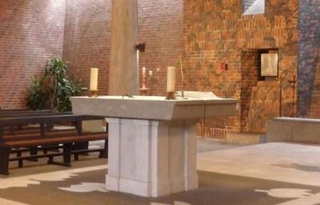 Kirchenbau aus den Siebziger Jahren, außen wie innen markant: St. Marien kommt auf die Denkmalliste der Stadt Gütersloh. Foto: Stadt Gütersloh.