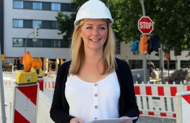 Vom Carport bis zur Feuerwehr: Daniela Müller gestaltet im Bereich Bauordnung eine ganze Stadt mit.Foto: Stadt Gütersloh