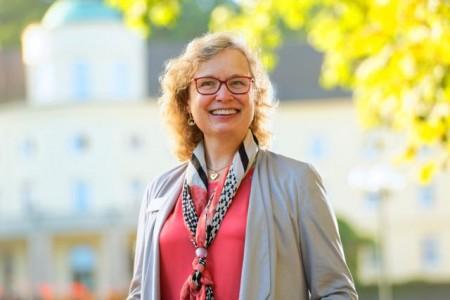 """Dr. Heike Schulze, Chefärztin der Abteilung Psychosomatik, Psychiatrie und Psychotherapie an der Park Klinik Bad Hermannsborn: """"Individuelle Resilienz ist entscheidend."""".Foto: Gräfliche Kliniken"""