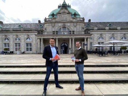 v.l.: Christoph Meyer (Direktor GOP) und Pete Hagemann (Geschäftsführer Vitasol Therme); Foto: © GOP und VitaSol Therme
