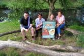 Steven Schilloks, Steffen Böning, Lina Strothmann und Jana Felmet (v. l.) vom Weberei-Team freuen sich auf den Gaumenschmaus beim Kiezgenuss. Foto: ©  Bürgerkiez gGmbH // Die Weberei