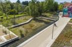 """Die Stadt Paderborn kann sich über eine weitere Auszeichnung für das Mittlere Paderquellgebiet (hier auf dem Bild kurz nach der Fertigstellung 2019) freuen, das als eines von 30 Projekten in NRW mit der """"Auszeichnung vorbildlicher Bauten NRW 2020"""" geehrt wird.Foto: © Stadt Paderborn"""