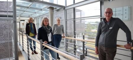 Zum Team Infektionsschutz und Hygienekonzepte gehören: (v.l.) Katrin Dresmann, Sabine Plöger, Kim Sotowitz und Dr. Andreas Kolch.Foto: Kreis Gütersloh.