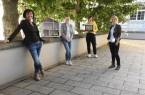 Freuen sich auf eine informative Vortragsreihe: Petra Schepsmeier (Energieagentur NRW) und die Klimaschutzmanagerinnen Julia Stakelbeck (Stadt Löhne), Sarah Sierig (Gemeinde Rödinghausen) und Laetitia Müller (Stadt Herford) © Stadt Herford