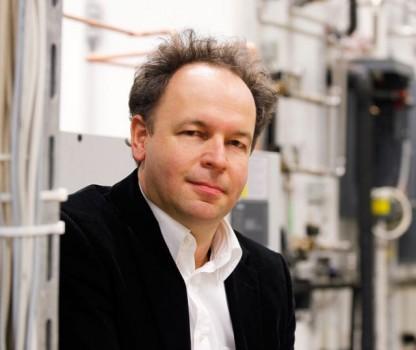 Prof. Dr.-Ing. Stefan Krauter ist Professor und Lehrstuhlinhaber für Elektrische Energietechnik − Nachhaltige Energiekonzepte an der Universität Paderborn.Foto: Universität Paderborn