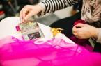 """Im Rahmen des Projekts """"Get dressed!"""" sind Interessierte am 31. Oktober zu einem besonderen Workshop im Museum in Schloß Neuhaus mit der Mode-Textil-Designerin Laura Schlütz eingeladen.Foto: © Kris Atomic"""